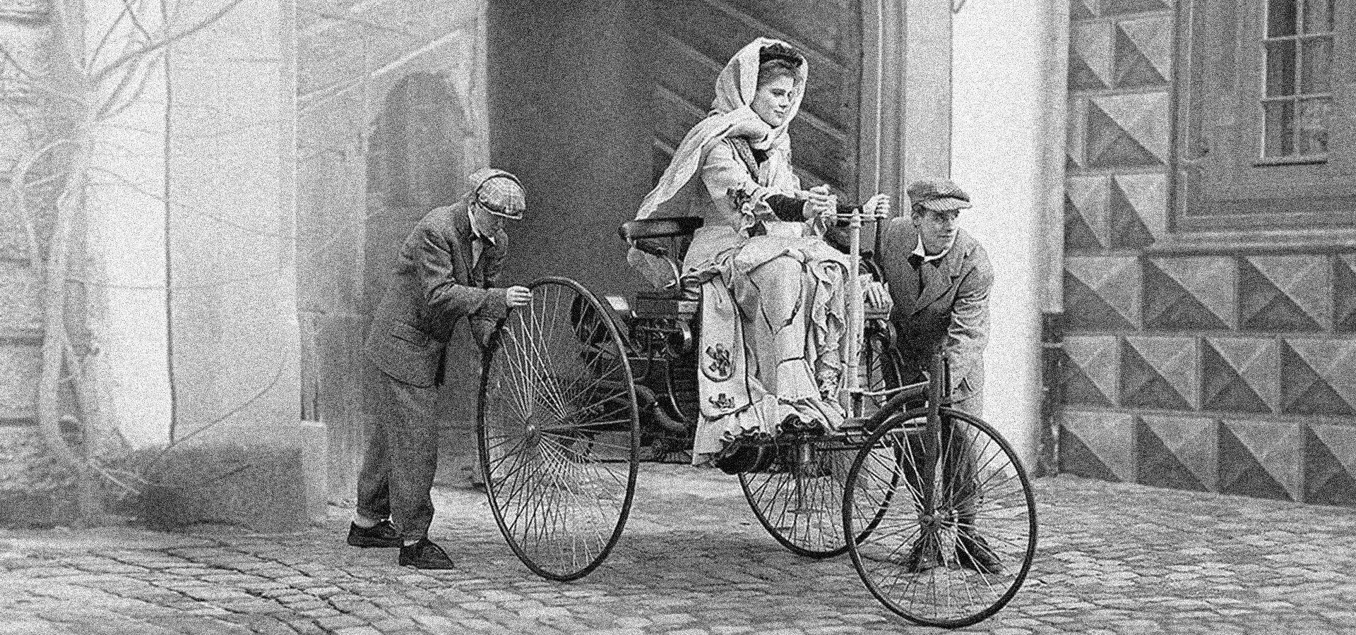 O dată în viață se naște o femeie care se urcă la volan să pună lumea în mișcare